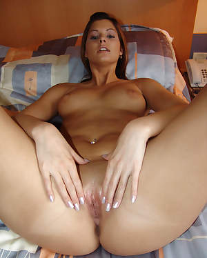 BadExGFs.com :: My sexy bitch showing hot cum dripping for her cunt